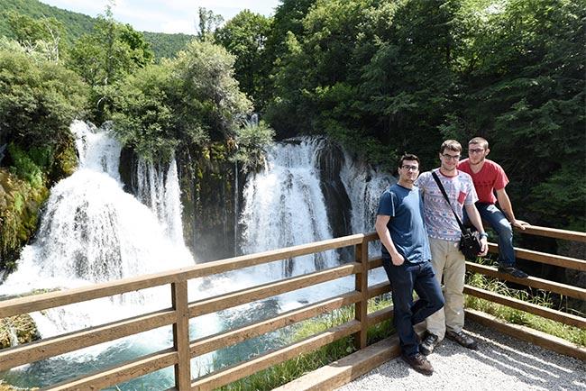 En la Catarata en Martin Brod (Bosnia)