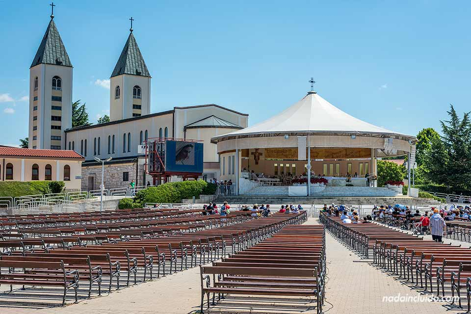 Celebración de la eucaristía en Medugorje (Bosnia)