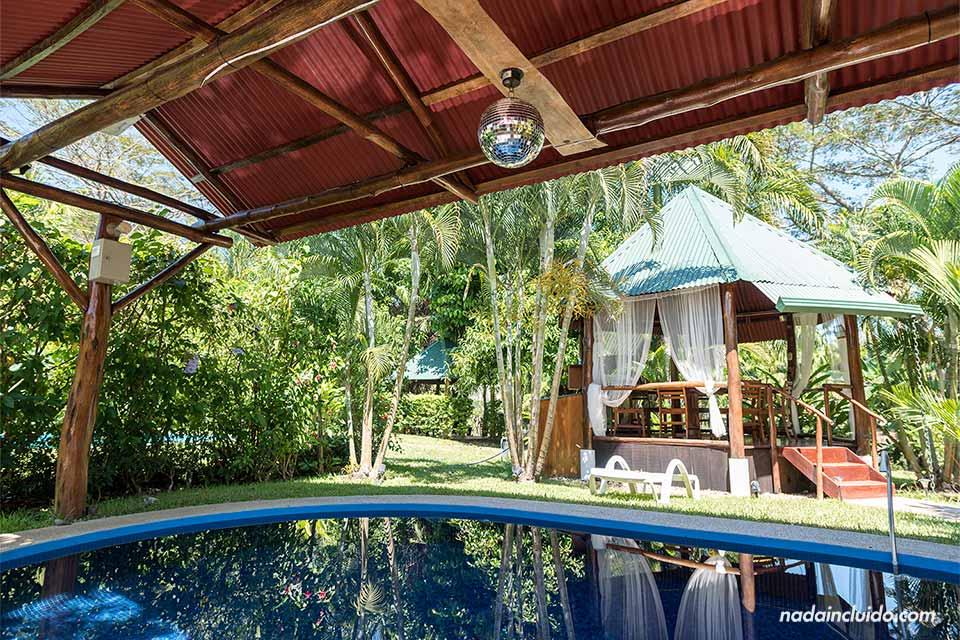 Piscina en una casa del Complejo Bahía de los Delfines (Tambor)