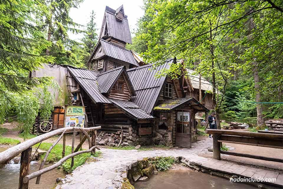 Recepción del Zelenkovak Ecovillage (Bosnia)
