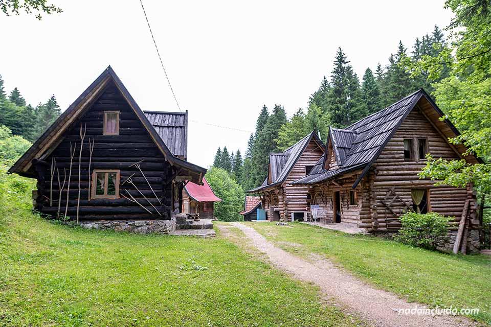 En el Zelenkovac Ecovillage (Bosnia)