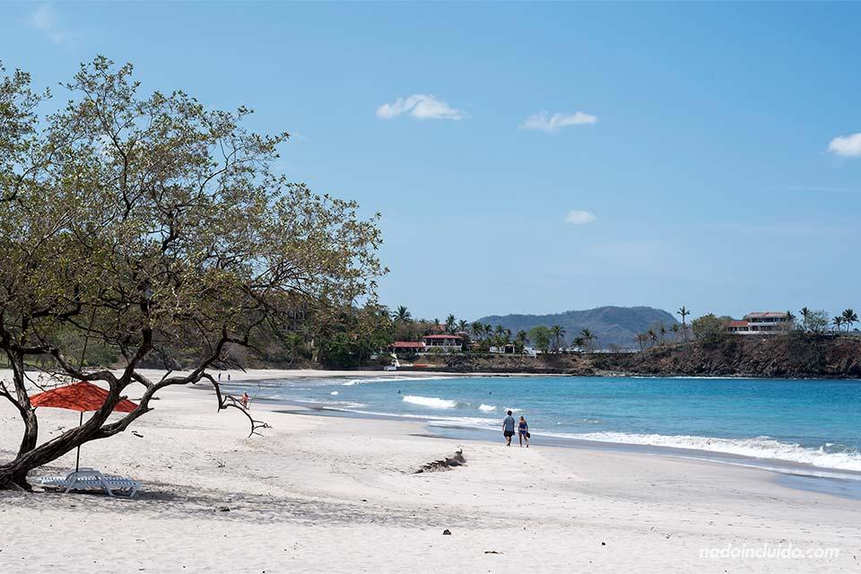 Playa Famingo, una de las playas más bonitas de Guanacaste (Costa Rica)
