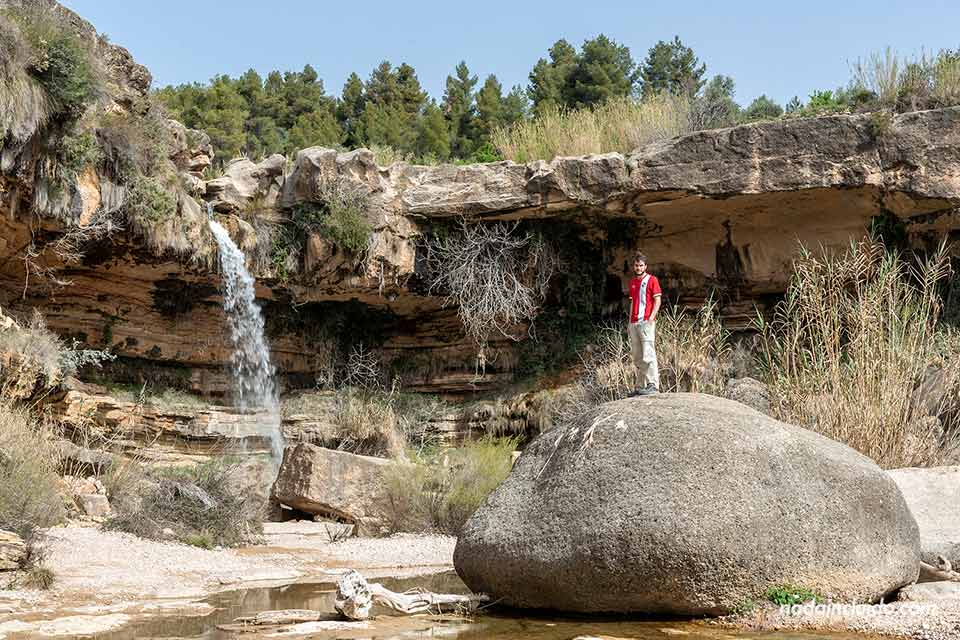 En el salto de la Portellada (Matarraña, Aragón)