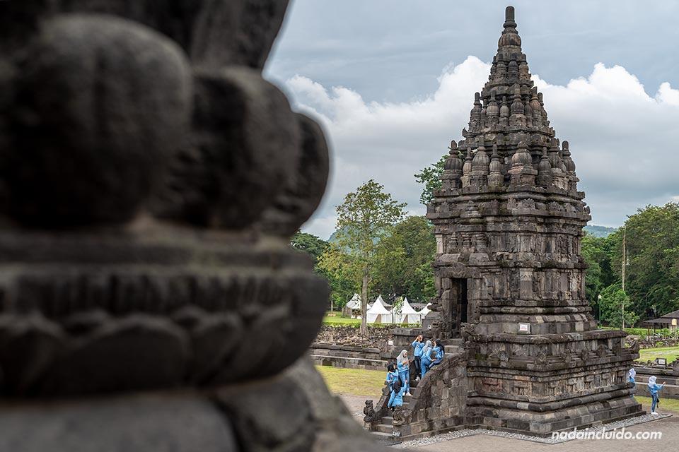 Templo de Nandi en Prambanan (Java, Indonesia)