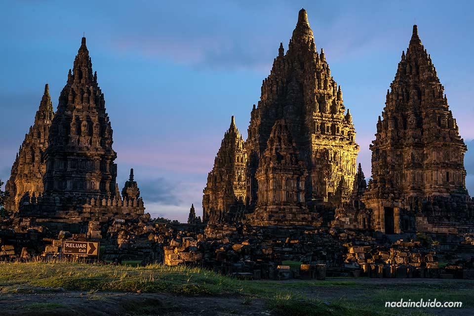 Atardecer en Prambanan (Java, Indonesia)