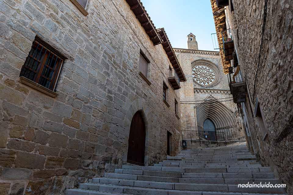 Iglesia de Santa María La Mayor en Valderrobres, uno de los sitios que ver en el Matarraña (Aragón)