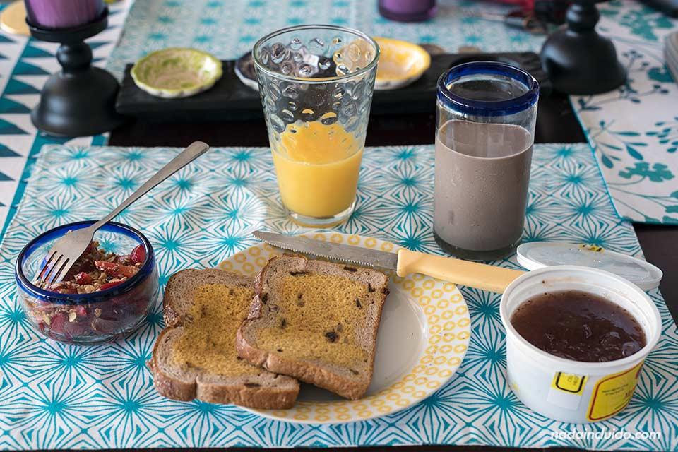 Desayuno en San José (Costa Rica) en casa de mi anfitriona