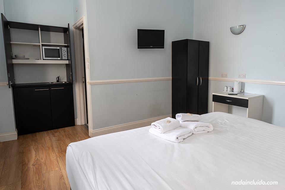 Una habitación del West Beach Hotel de Brighton (Inglaterra)