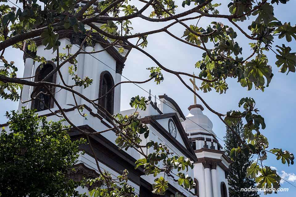 Torres de la catedral de Alajuela (Costa Rica)