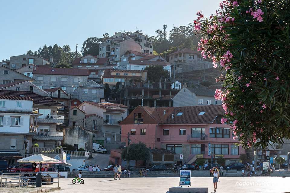Praza Peirao da Chousa en Combarro (Galicia, España)