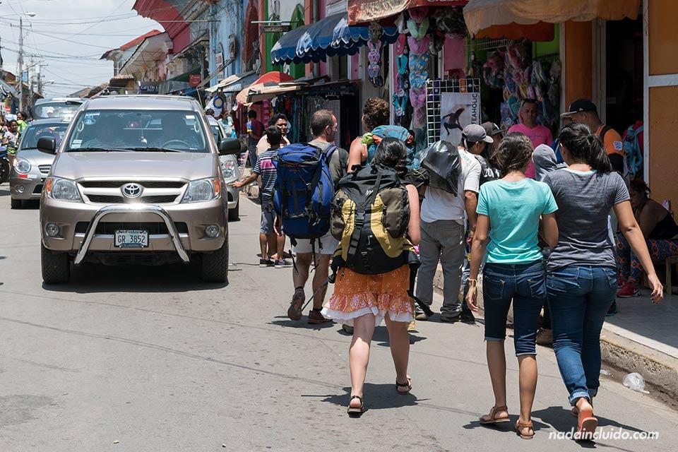 Paseando junto al mercado de Granada (Nicaragua)