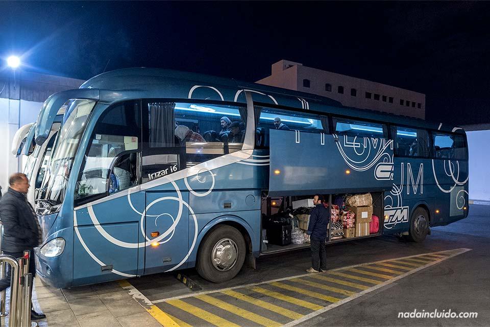 Autobús de la compañía CTM en la ruta Rabat - Agadir (Marruecos)