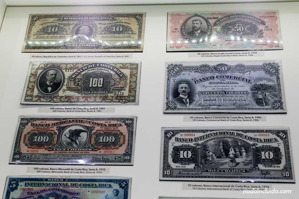 Exposición de billetes en el Museo del Oro Precolombino, san José (Costa Rica)
