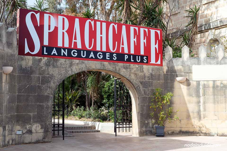 Entrada del Sprachcaffe Village de Malta