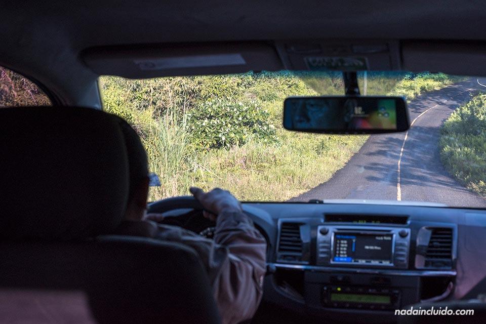 Viajando de Ciudad de Panamá a San Blas en furgoneta (Panamá)