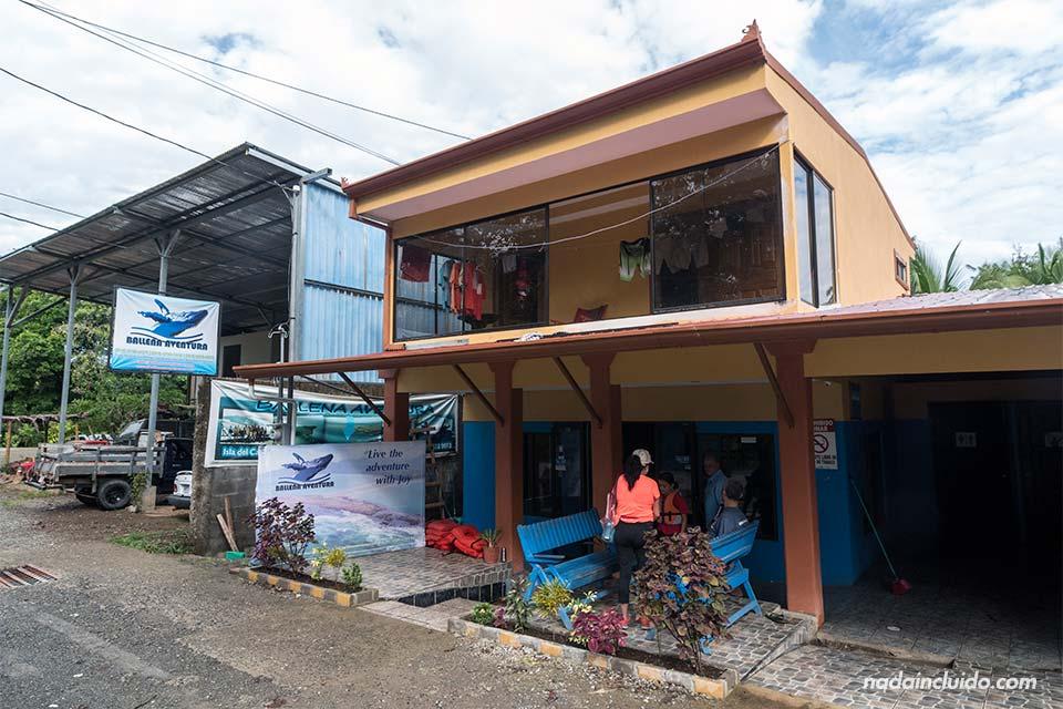 Sede de la agencia Ballena Aventura en Uvita (Costa Rica)