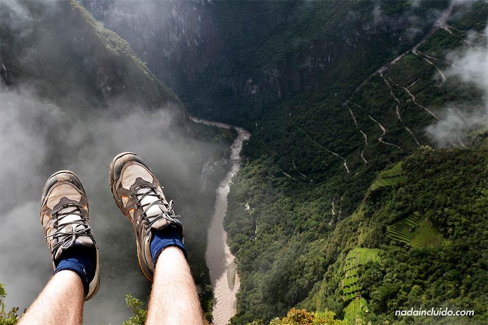 Viendo Machu Picchu desde lo alto de Wayna Picchu (Perú)