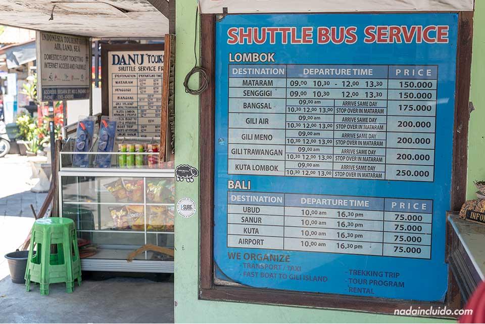 Horarios de buses y lanchas a las islas Gili en el puerto de Padangbai (Bali, Indonesia)