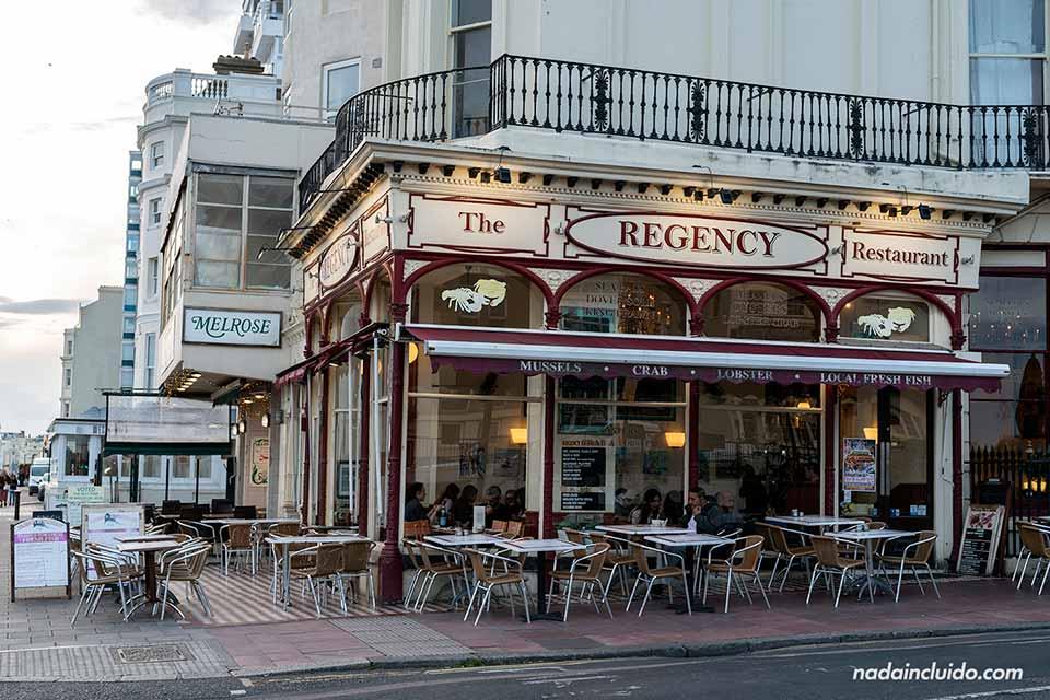 Fachada del Restaurante Regency de Brighton (Inglaterra)