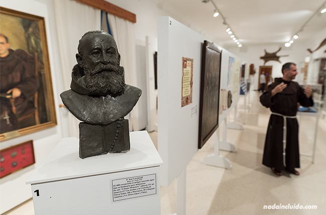 Estatua del padre Lerchundi en el Museo del Santuario de Nuestra Señora de Regla (Chipiona, Cádiz)