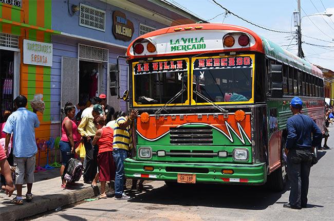Autobús local en Granada (Nicaragua)