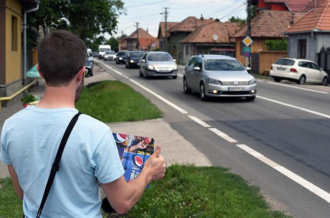 Haciendo autostop en Lancram (Rumanía)