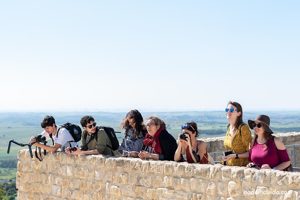 Blogueros en las murallas de Medina Sidonia (Cádiz)