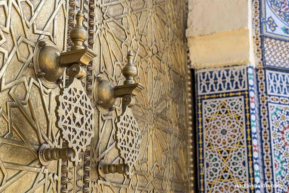 Detalle de la puerta del palacio real de Fez (Marruecos)