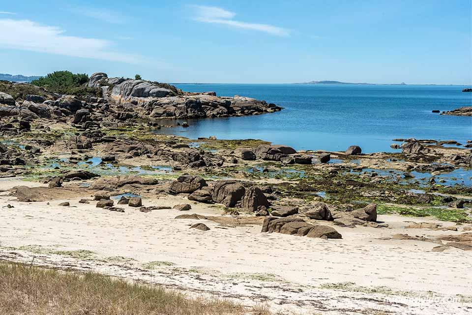 Punta Lombeira en el parque natural de Carreirón (Isla de Arousa, Galicia)