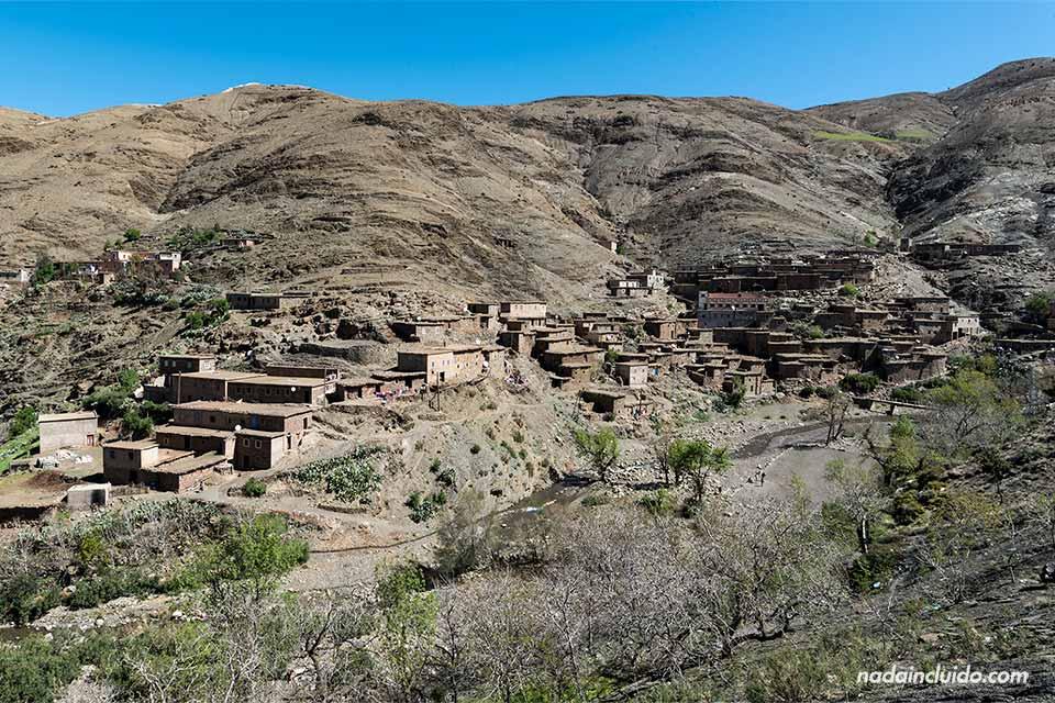 Pueblo en la zona de El Atlas (Marruecos)