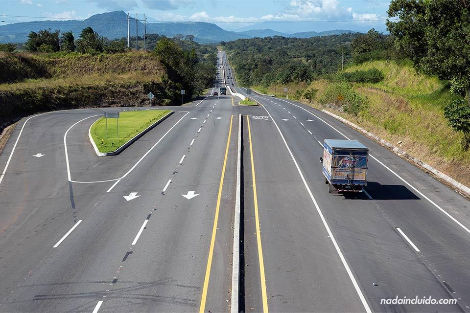 Trayecto de la carretera panamericana en su paso por Panamá