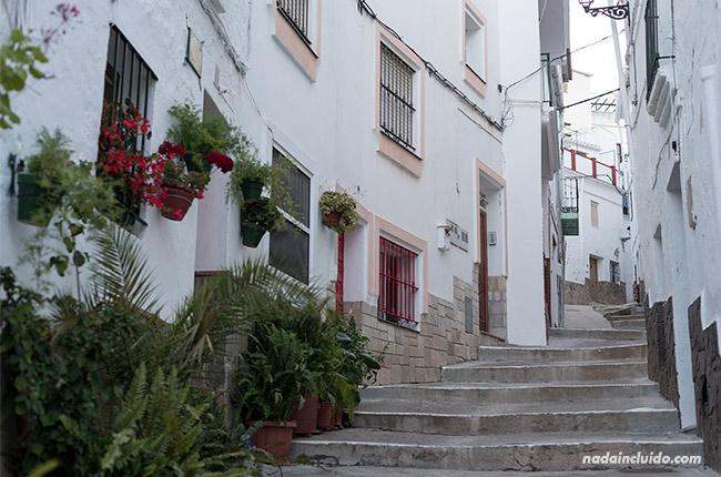 Escaleras en las calles de Casarabonela (Málaga)