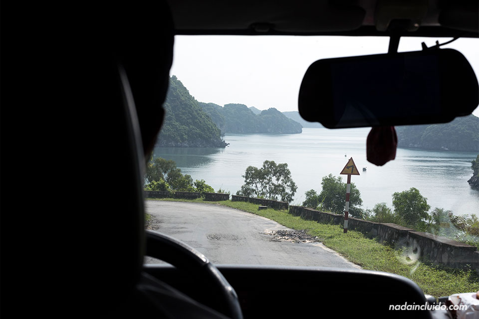Recorriendo la isla de Cat Ba en furgoneta (Vietnam)
