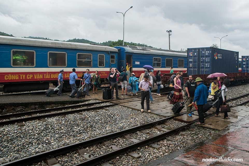 Estación de trenes de la ciudad de Lao Cai, la más cercana a Sapa (Vietnam)