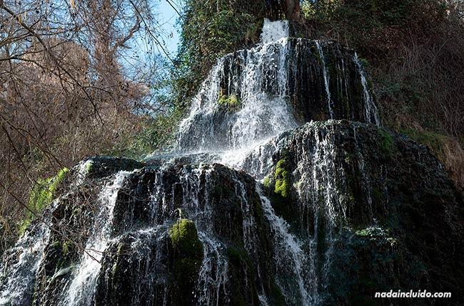 Cascada Trinidad en el Parque Natural del Monasterio de Piedra (Aragón, España)