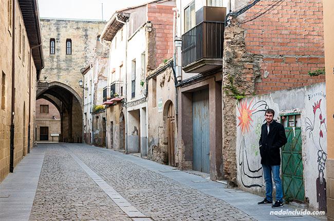 Calle del casco antiguo de Santo Domingo de la Calzada (Rioja, España)