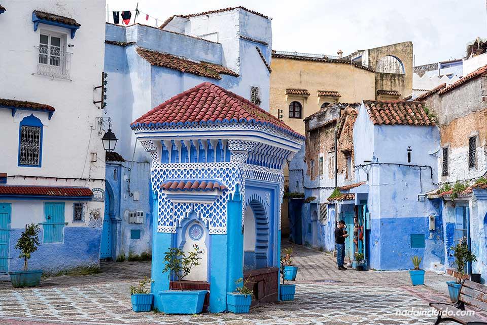 Plaza El Haouta en la medina de Chefchaouen (Marruecos)