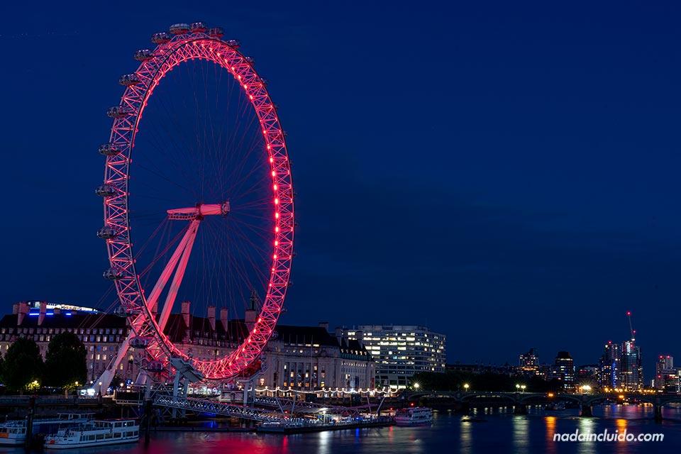 Iluminación nocturna del London Eye (Londres, Inglaterra)