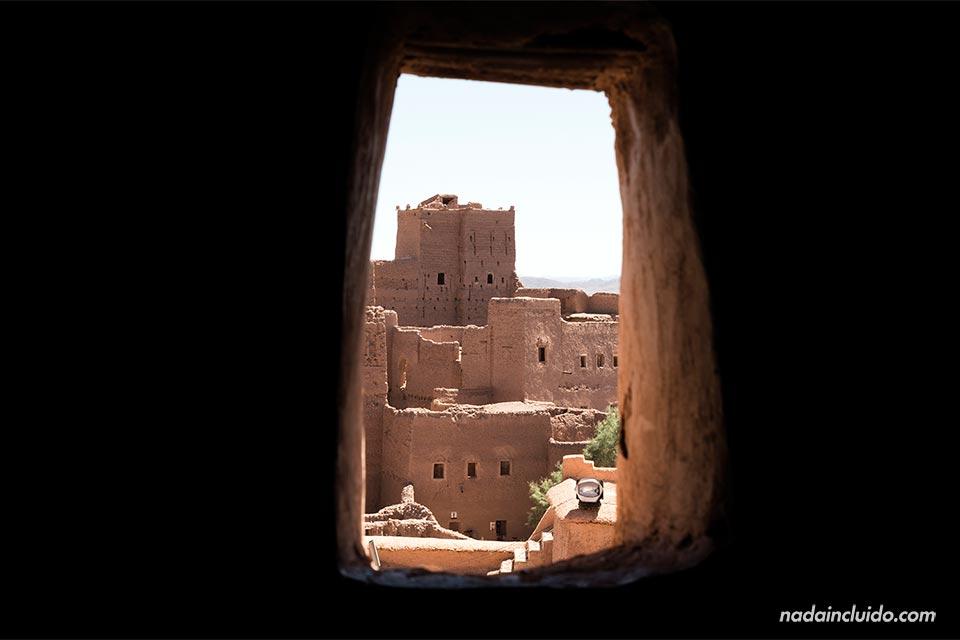 Vistas desde una ventana del Kasbah Taourirt, Ouarzazate (Marruecos)