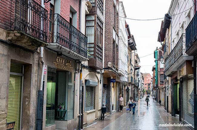 Calle Pinar, Santo Domingo de la Calzada (Rioja, España)