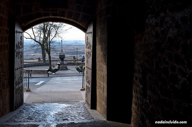 Entrada al pueblo de Laguardia, capital de Rioja Alavesa (País Vasco)