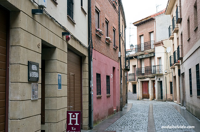 Calle Isidoro Salas, Santo Domingo de la Calzada (Rioja, España)