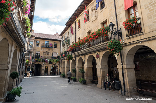 Plaza Mayor de Laguardia, capital de Rioja Alavesa (País Vasco, España)