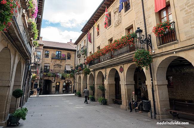 Plaza Mayor de Laguardia, capital de Rioja Alavesa (País Vasco, España)