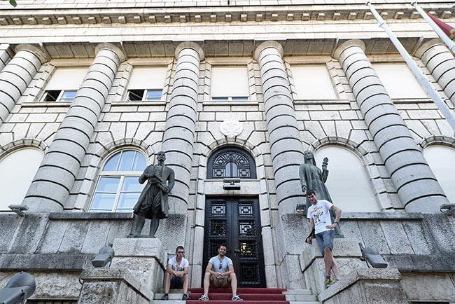 En el Ministerio de Cultura de Cetinje (Montenegro)