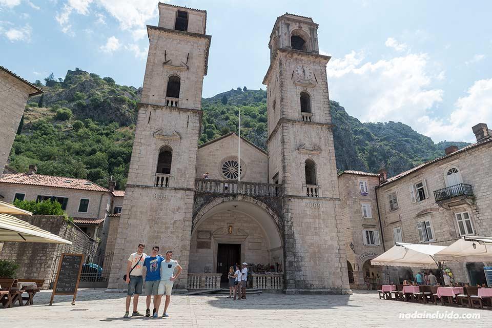 En la catedral del St. Tryphon en Kotor (Montenegro)