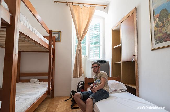 Habitación del hostel Centrum en Kotor (Montenegro)
