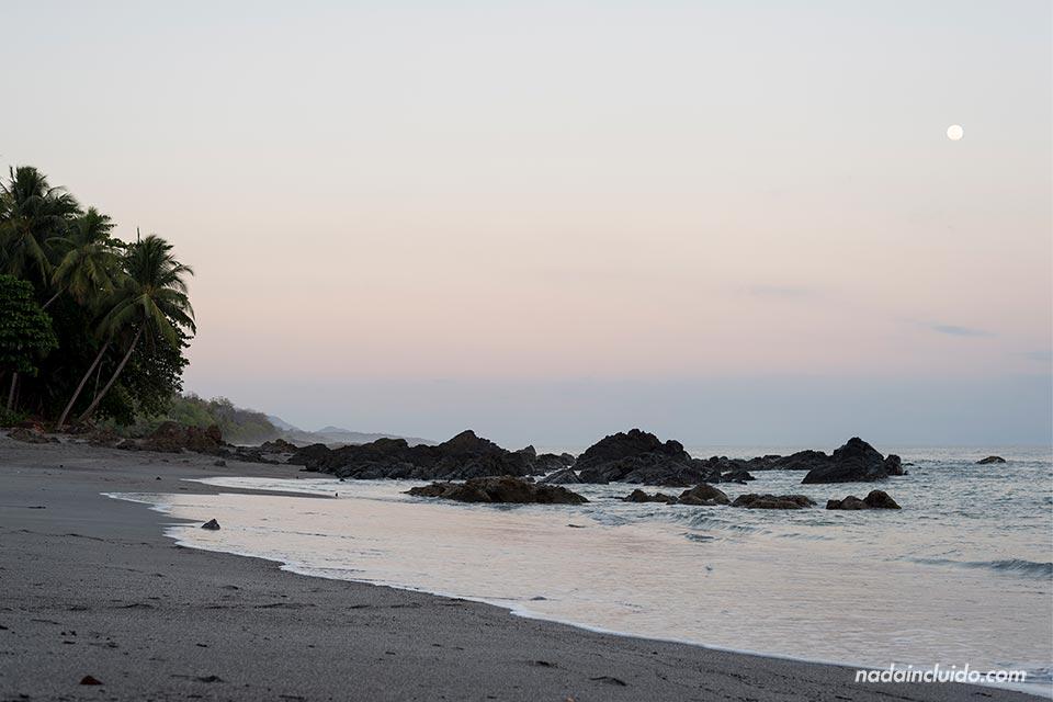 Atardecer en la Playa de Montezuma (Costa Rica)