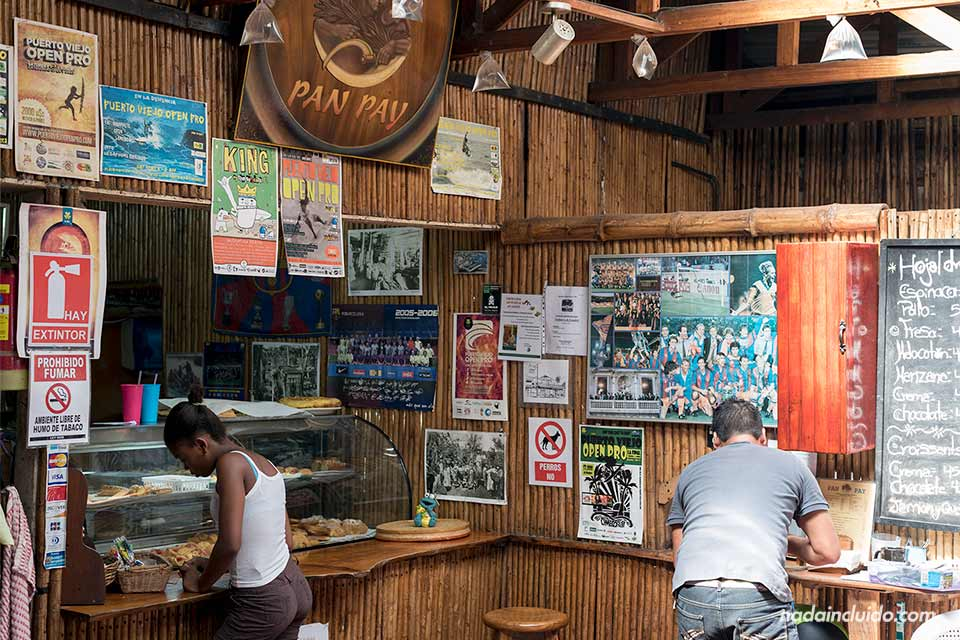 Barra del restaurante Pan Pay en Puerto Viejo (Costa Rica)