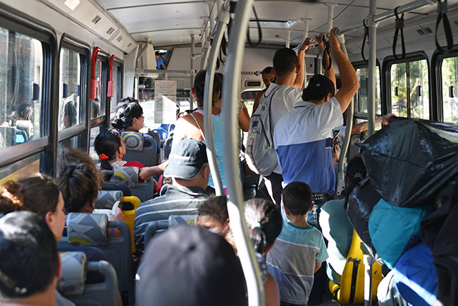 En el autobús que hace la ruta Puntarenas - Monteverde (Costa Rica)